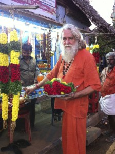 About Yogini Ashram: Swami Ayyappa Giri about to perform puja