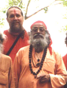 06-swami-rudranath-maharaj-in-foreground-w-swami-ayyappa-in-background